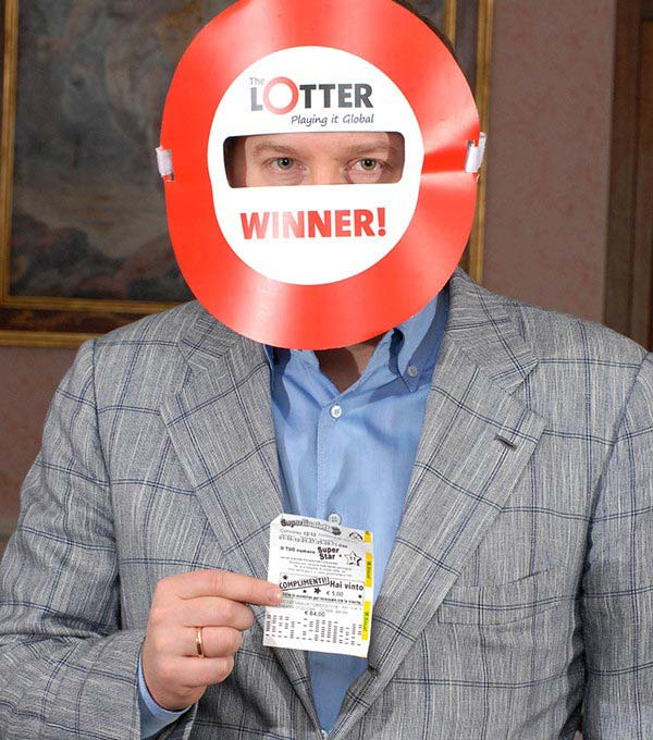 Man from Latvia wins lottery prizes online through theLotter Brasil